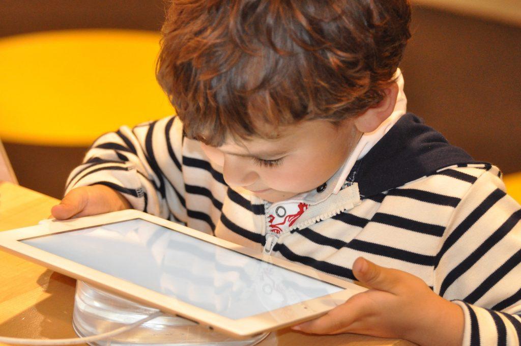Los niños y las tablets