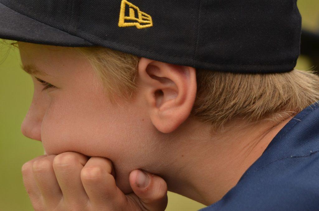 El TDAH implica déficit de atención, impulsividad y/o hiperactividad.